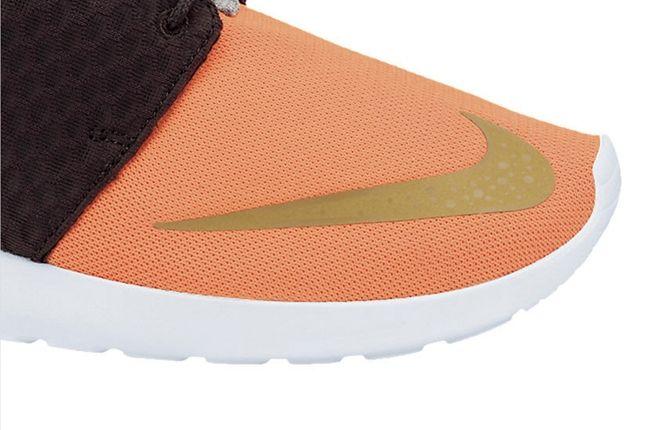 Nike Roshe Run Fb Metgold Crimson Toe Detail 1