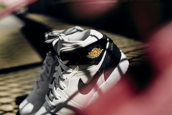 Air Jordan 1 Mid Bg Light Bone Metallic Gold8