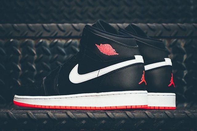 Air Jordan 1 Black Hot Lava 6