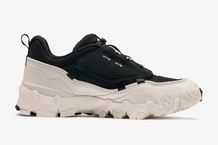 Puma Trailfox Black Off White Right
