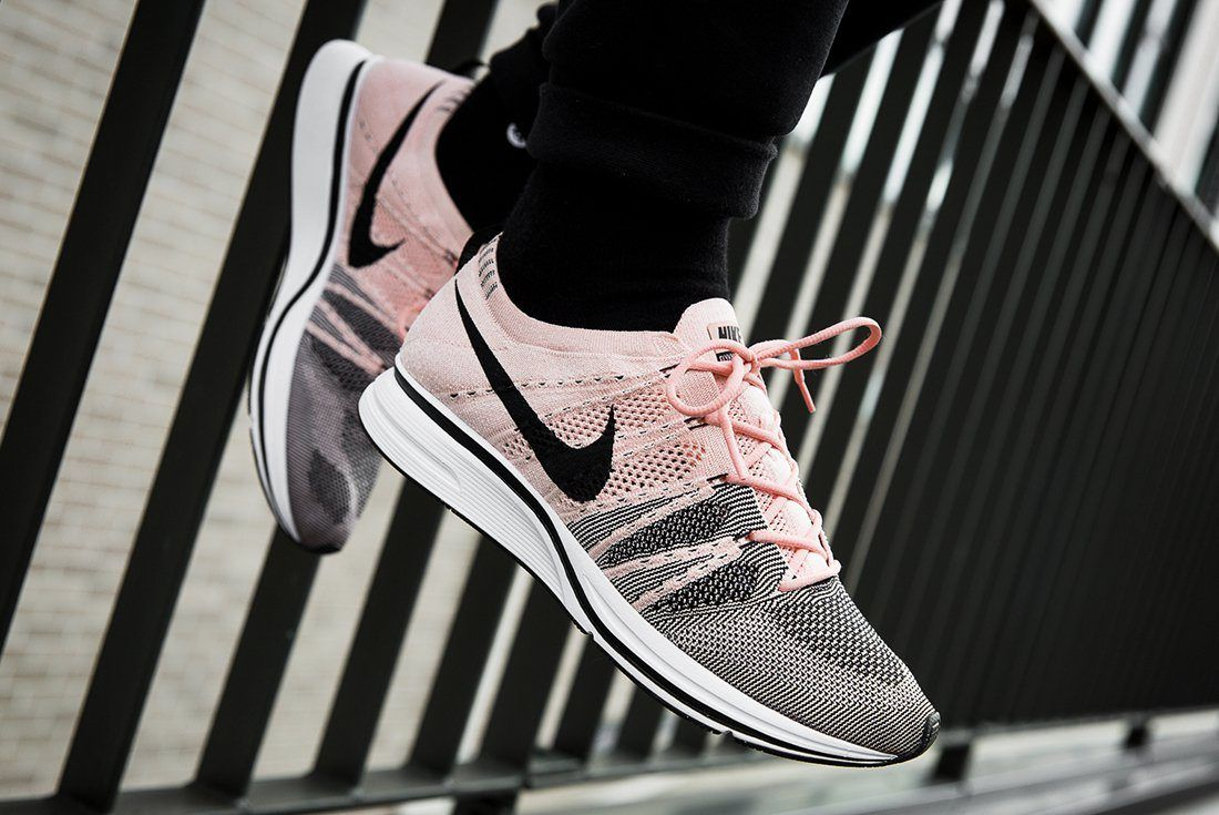 Nike Flyknit Trainer Sunset Tint 1 1