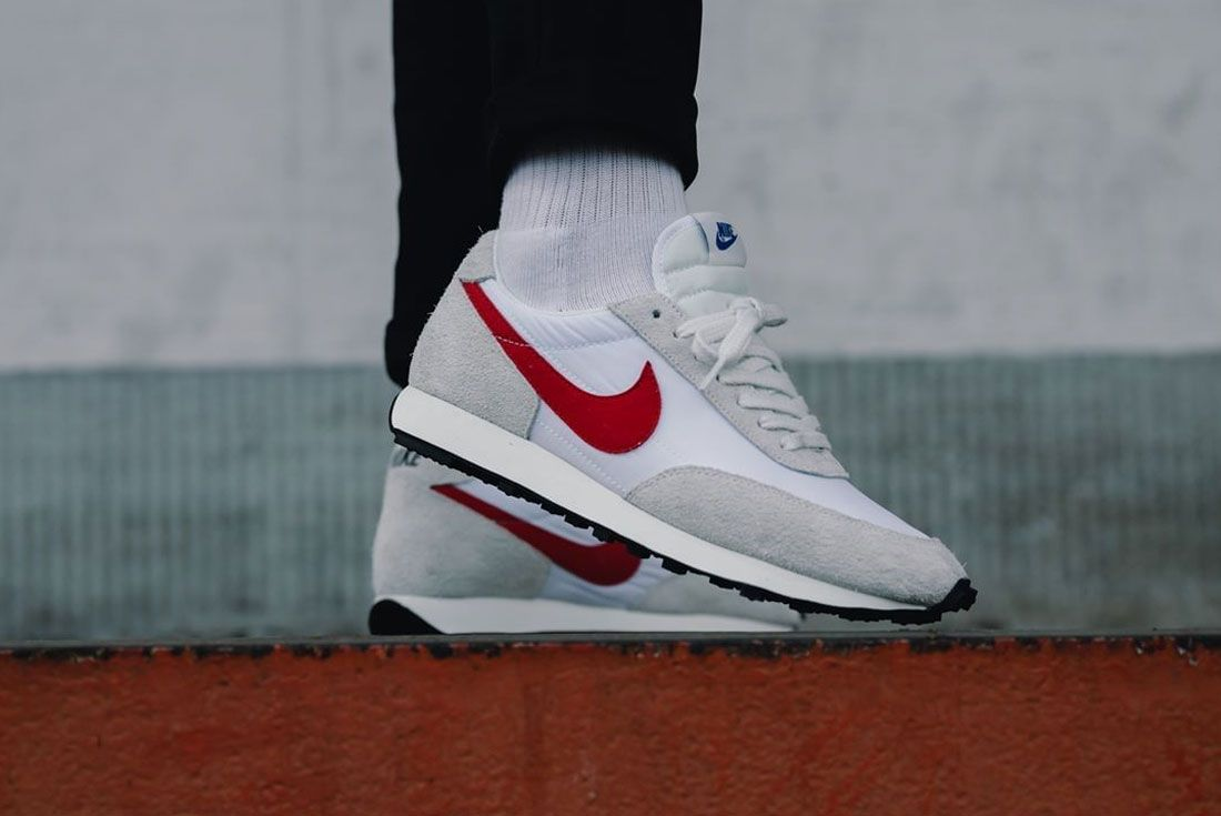 Nike Daybreak White Red Right