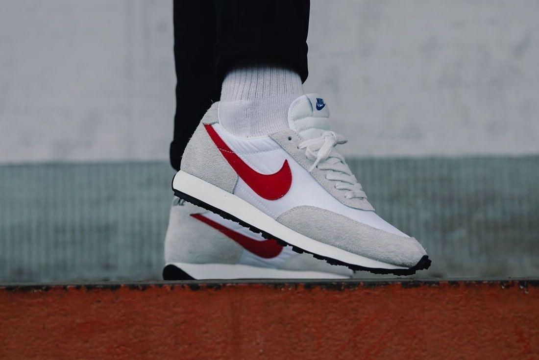Nike Daybreak White Red Right