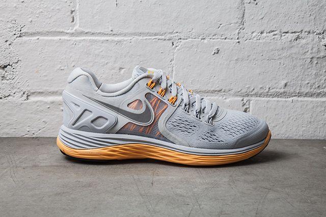 Nike Lunareclipse 4 Pure Platinum Atomic Mango 2