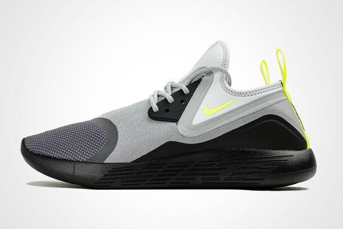 Nike Lunarcharge Neon Thumb