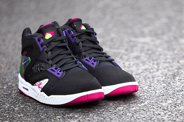 Nike Air Tech Challenge Hybrid Rev Pink Perspective