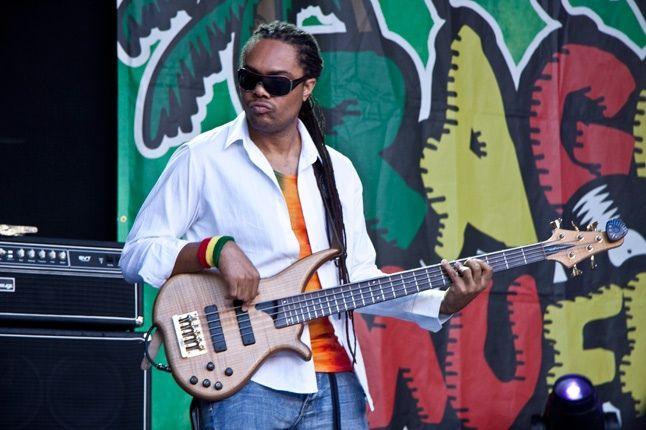 Raggamuffin Maxi Priest Guitarist 1