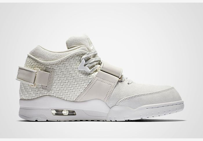 Nike Air Trainer Feature