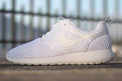 Nike Roshe Run Pure Platinum Thumb