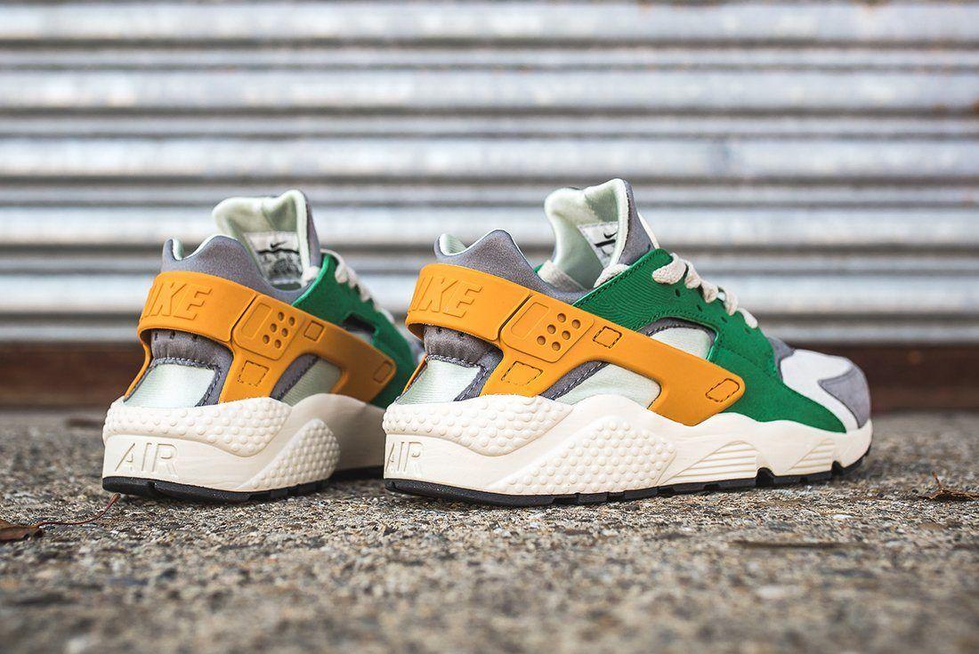 Nike Air Huarache Se Pine Green Gold Leaf13