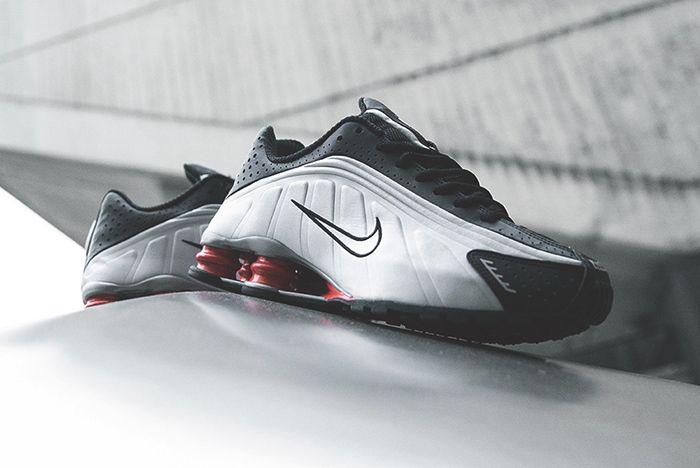 Nike Shox R4 Silver Black Red 1
