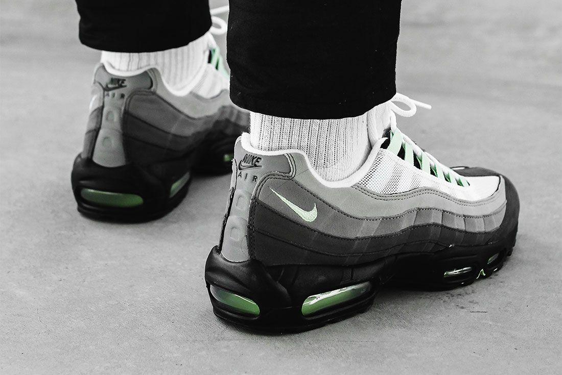 Nike Air Max 98 Air Max 95 Fresh Mint Pack Heel 3