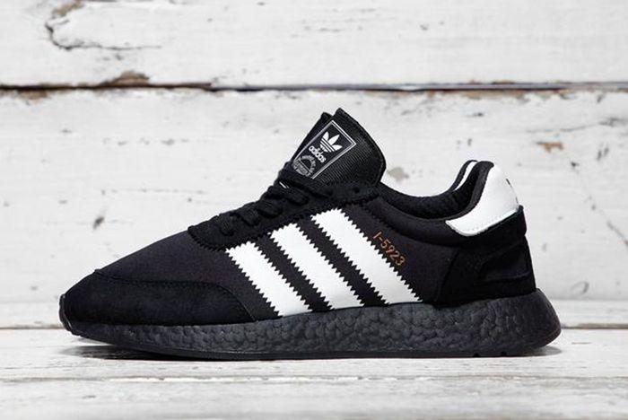 I 5923 Core Black White 1