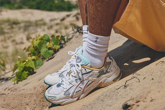 Ronnie Fieg Asics Gel Kayano 5 Solstice Closer Look Release Date Pair