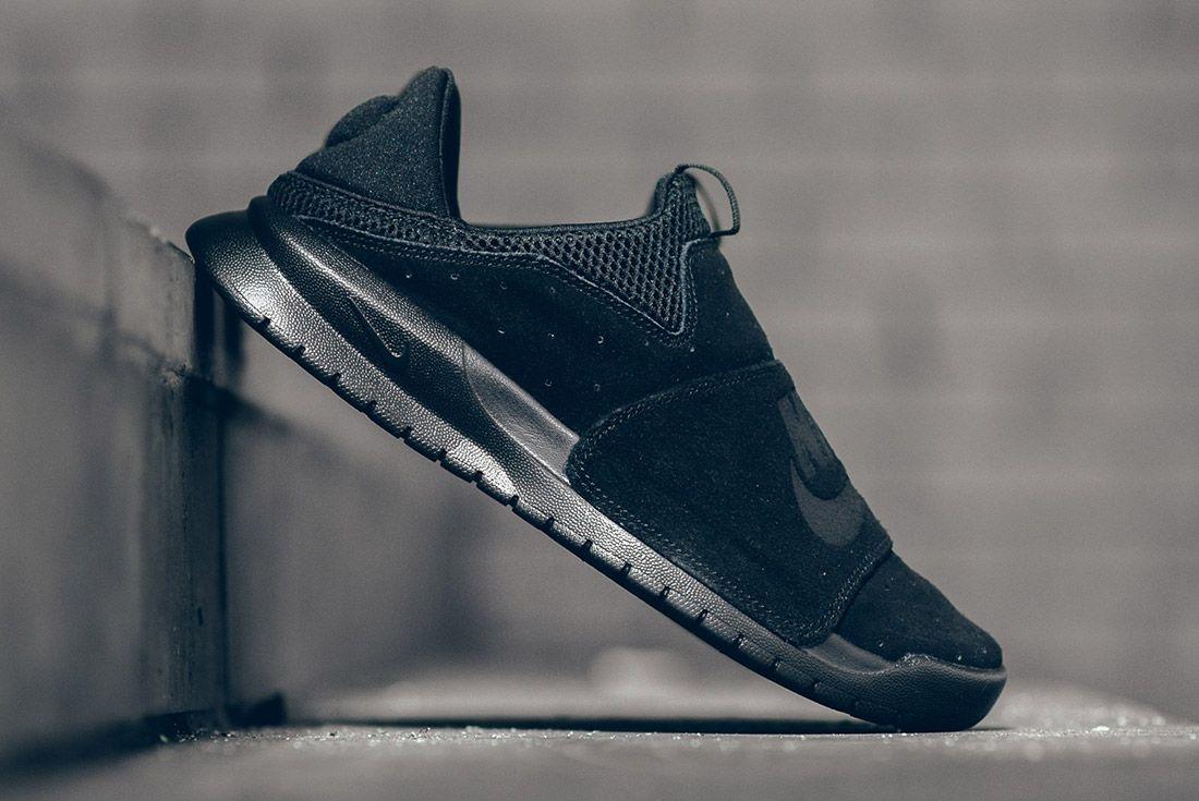 Nike Benassi Slp Triple Black 6
