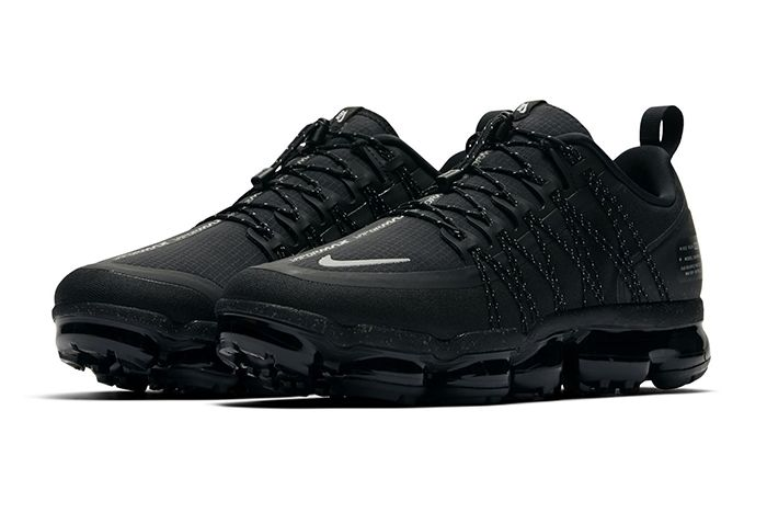 Nike Air Vapormax Run Utility Triple Black 1