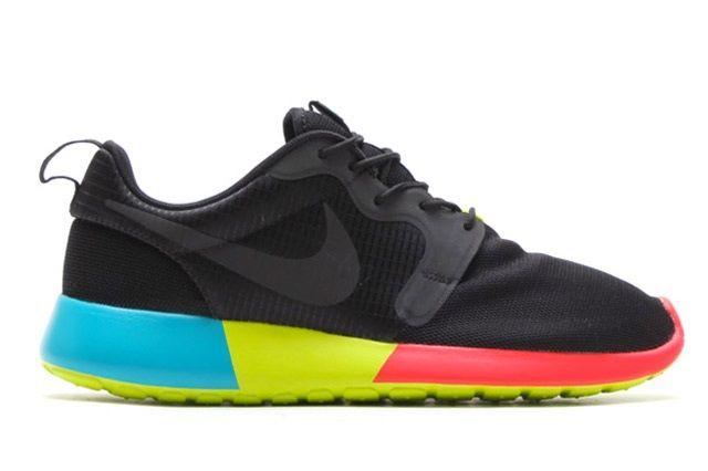 Nike Roshe Run Hyperfuse Black Venom Green 1