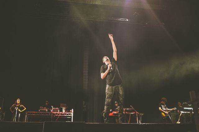 Eminem The Rapture J Cole Melbourne 17