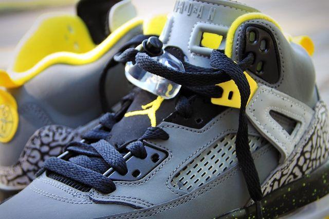 Air Jordan Spizike Yellow Grey Black 3