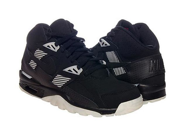 Another Nike Air Trainer Raiders Colorway 02 620X463