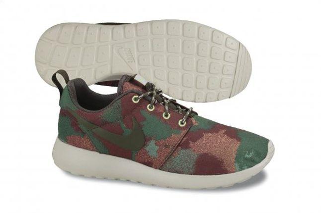 Nike Roshe Run Camo Green Brown Profile 1