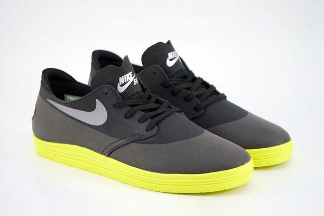 Nike Sb Lunar Oneshot Black Reflect Silver Volt Perspective