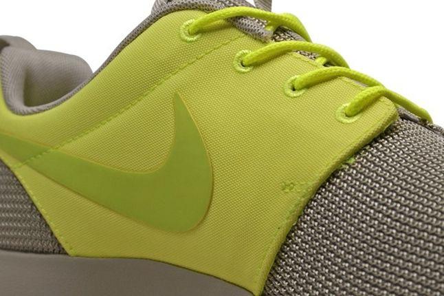 Nike Roshe Run 2Face Volt Swoosh 1