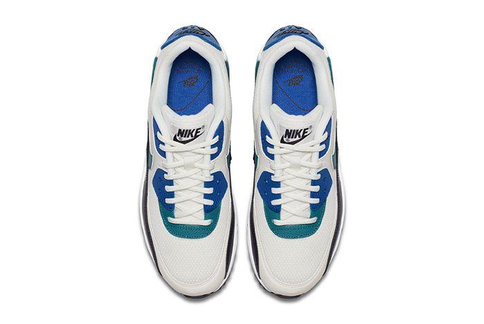 Nike Air Max 90 Sail Radiant Emerald 2