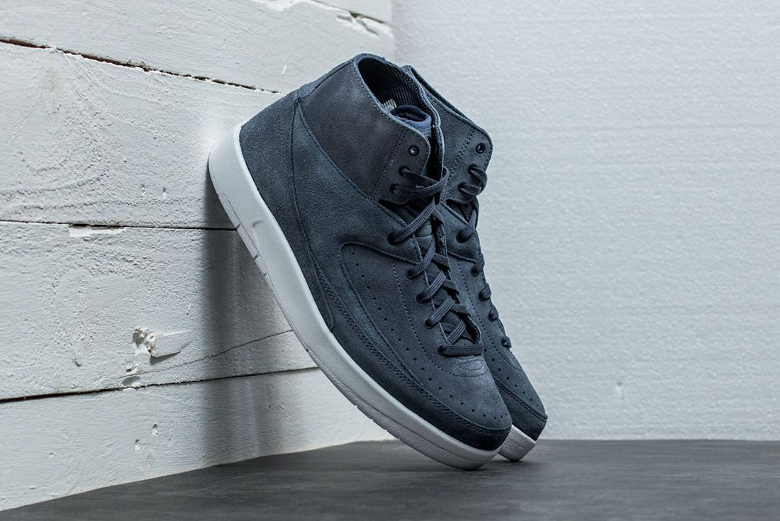 Air Jordan 2 Decon Thunder Blue3