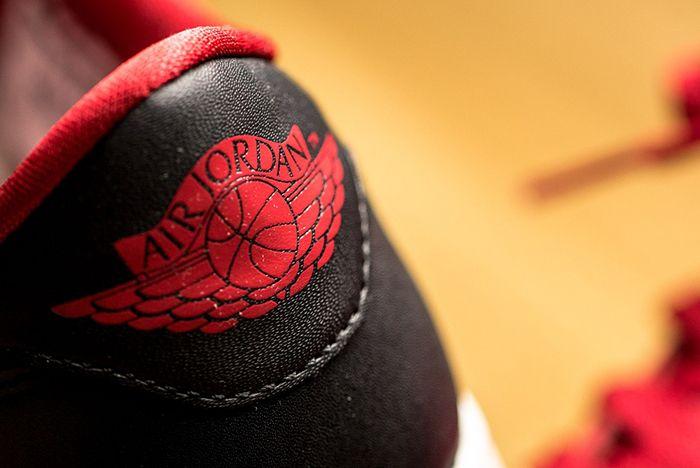 Air Jordan 1 Low Un Bred