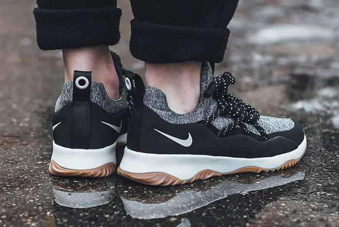 Nike Womens City Loop Sneaker Freaker Small