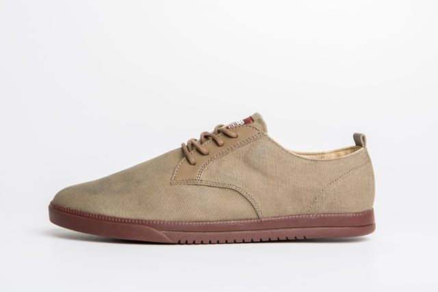 Clae Ellington Sage Sideview