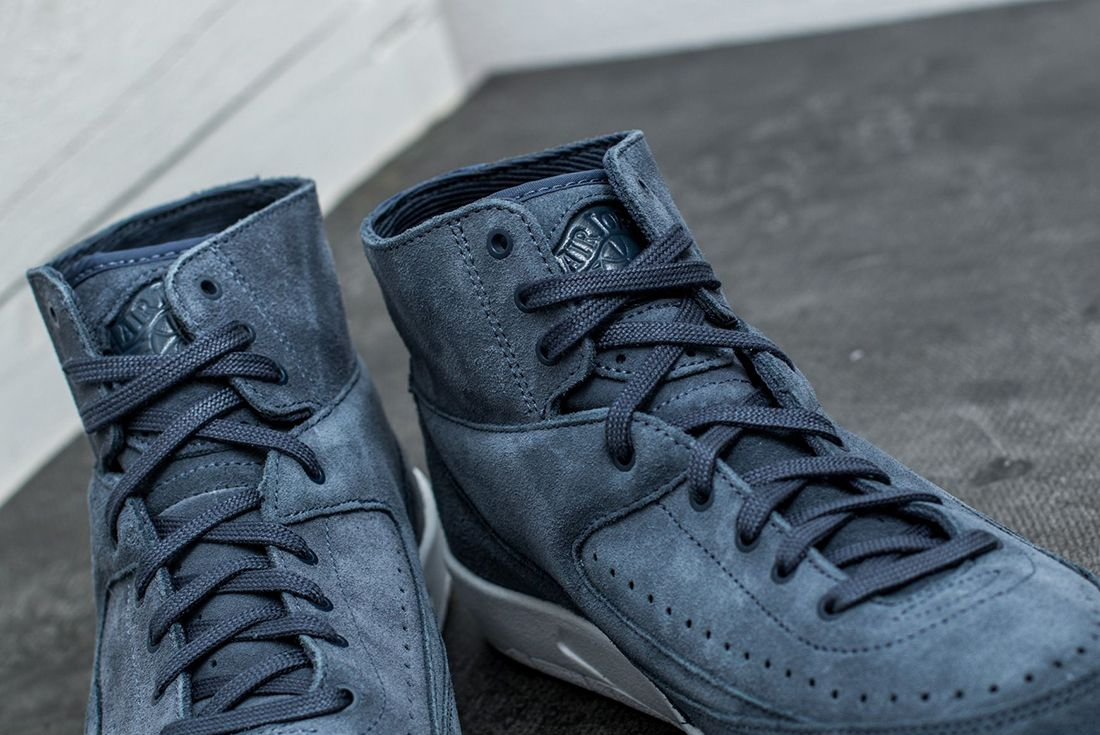 Air Jordan 2 Decon Thunder Blue5
