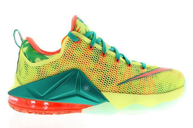 Nike Le Bron Low 4