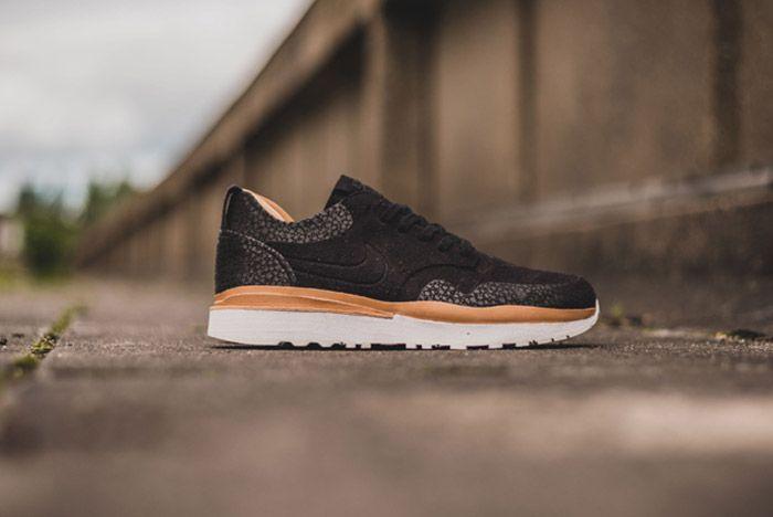Nike Air Safari Royal Black 7