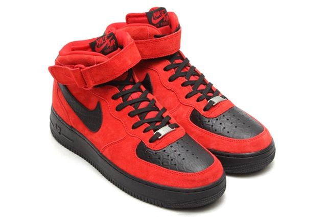 Air Force 1 Mid Red Suede Black Python Post 1