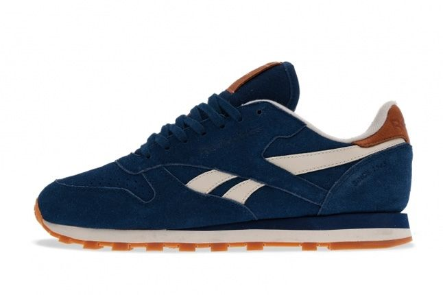 Reebok Classic Leather Suede Blue Profile 1