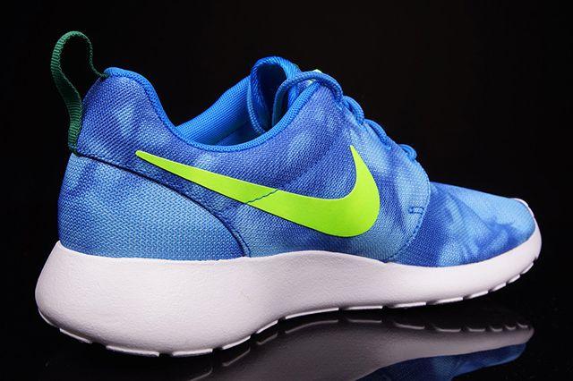 Nike Roshe Run Blue Marble 3