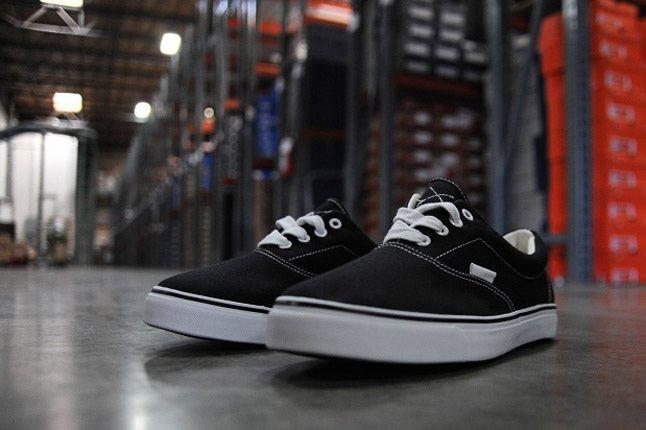 Warrior Pys Shoe Black Factory Floor 1