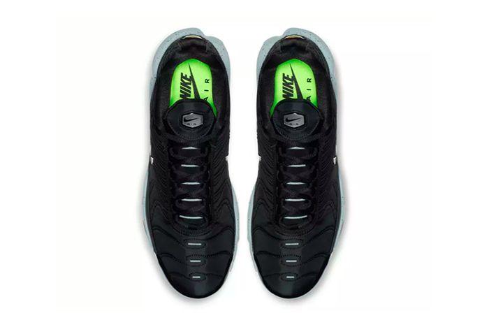 Nike Air Max Plus Premium Black Grey 2