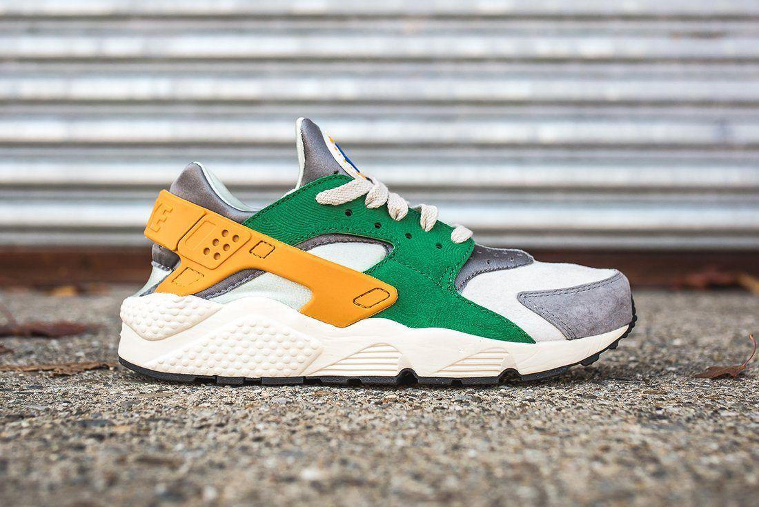 Nike Air Huarache Se Pine Green Gold Leaf4