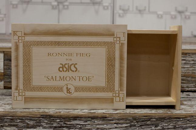 Salmon Toes Box 1