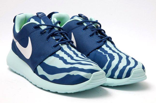 Nike Roshe Run Blue Seafoam Quarter 1
