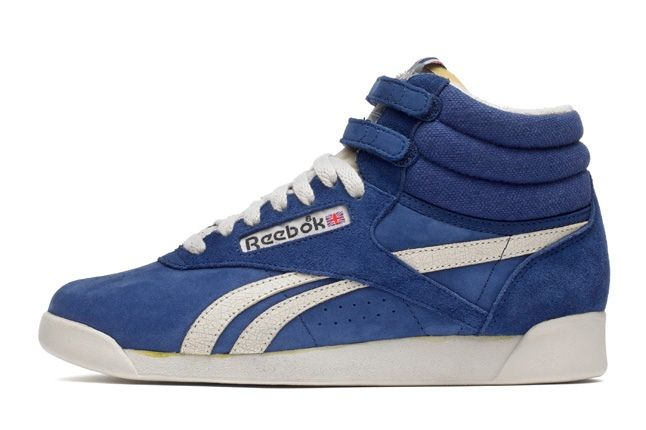 Reebok Freestylehi Vintage Blue Profile 1