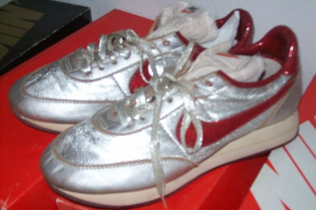 Nike Vintage Night Track 1