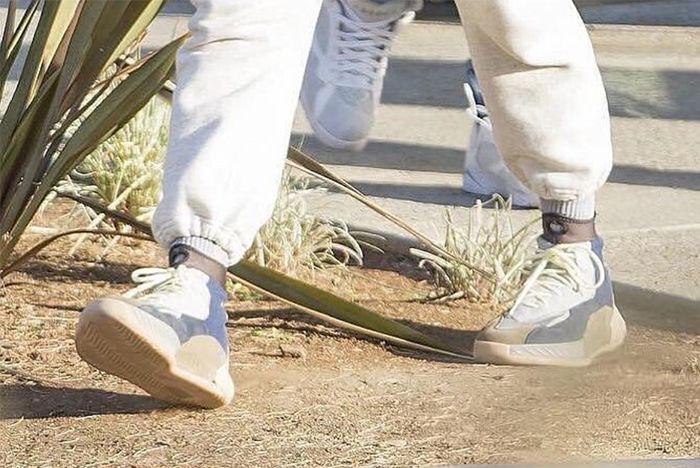 Adidas Yeezy Basketball Shoe 4