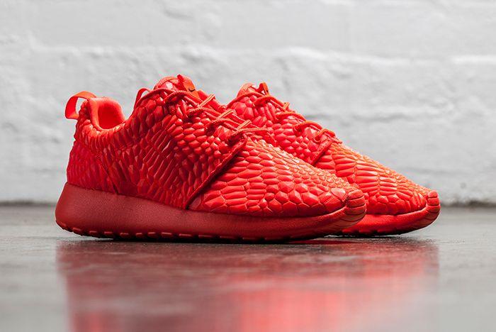 Nike Roche One Dmb Bright Crimson 1