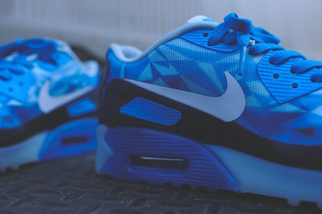 Nike Air Max 90 Ice Barely Blue 3