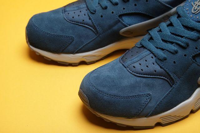 Nike Air Huarache Blue Platinum Bumper 3