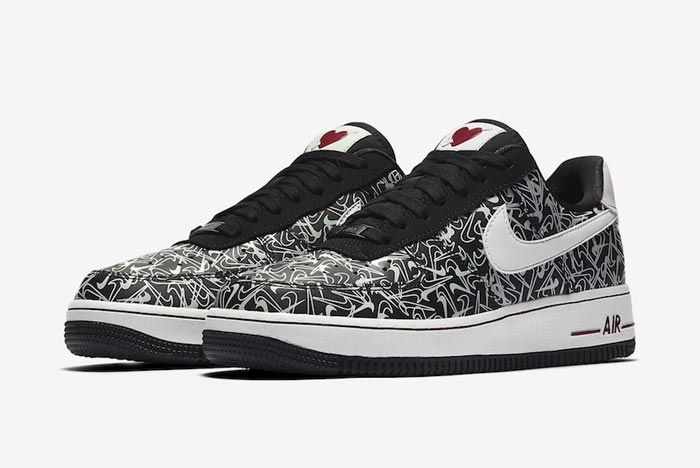 Nike Air Force 1 Valentines Day 2020 Pair